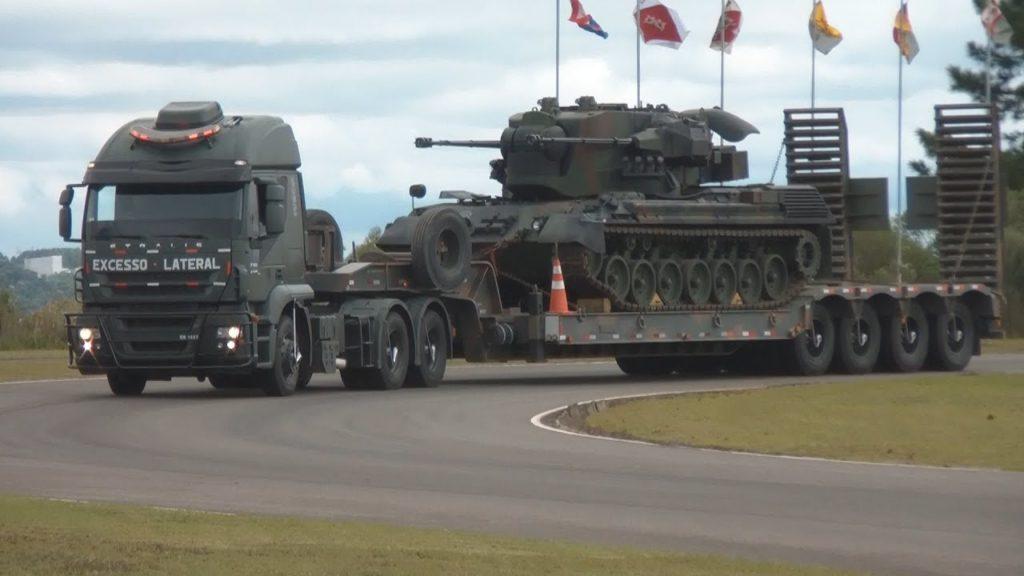 Conheça os caminhonhões utilizados pelo Exército Brasileiro