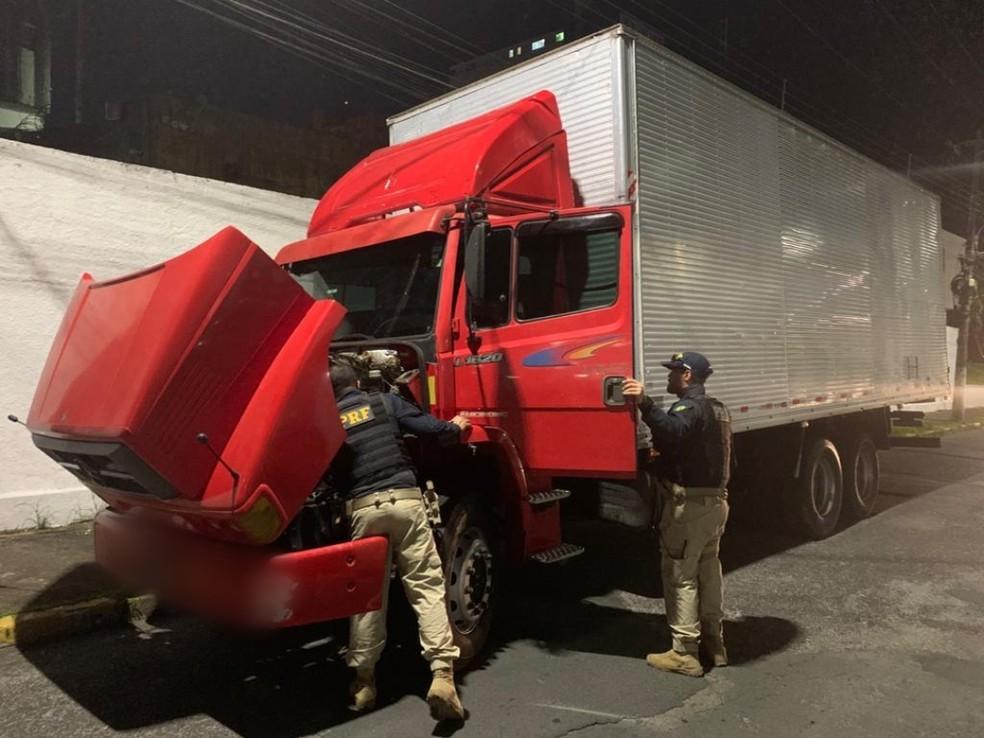 teria participado de um roubo de uma carga de pneus em São José do Rio Pardo, no final de março.