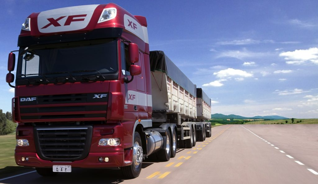 DAF XF105 ultrapassa Scania R450 e é o segundo caminhão pesado mais vendido de Junho