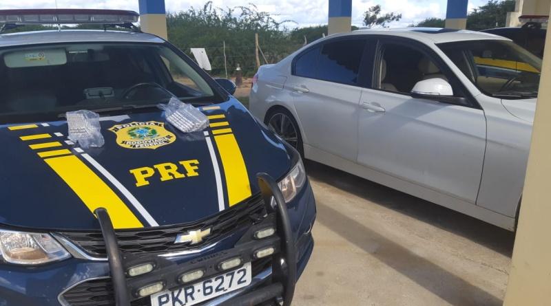 """Motorista de BMW é detido na BR-116 transportando 1.500 comprimidos de """"rebite"""""""