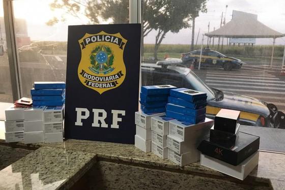 Mulher empreende fuga em alta velocidade após abordagem da PRF no Paraná