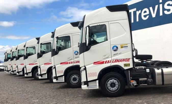 Volvo vende de uma só vez 200 caminhões para Lenarge Transportes