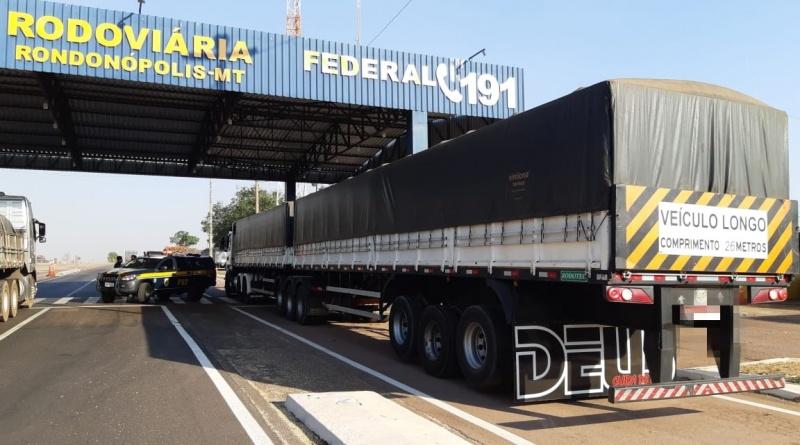 PRF apreende carreta bitrem adulterada de transportadora na BR-364 - jornal do caminhoneiro