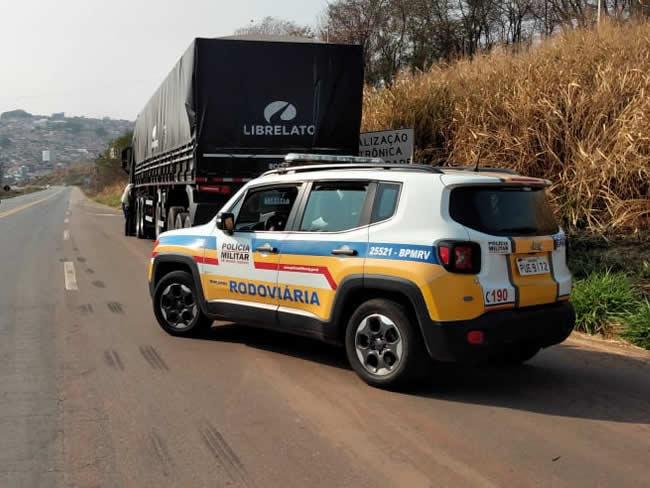 Motorista é flagrado com 182 rebites, oferece R$3 mil de suborno e acaba preso por tráfico