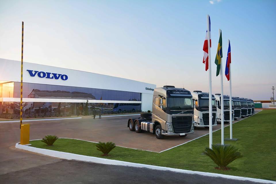 """Volvo FH 540 6x4 é o """"Campeão de Revenda"""" em caminhões pesados com motor acima de 500cv"""