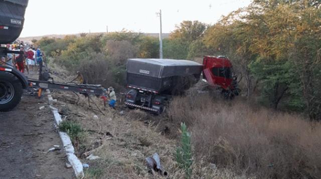 MB 1113 em péssimas condições causa acidente e motorista foge do local em Pernambuco 4